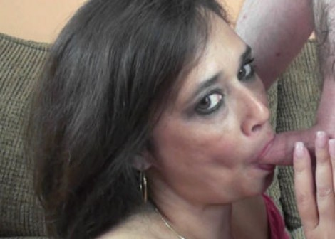Mature slut Alesia swallows a cock